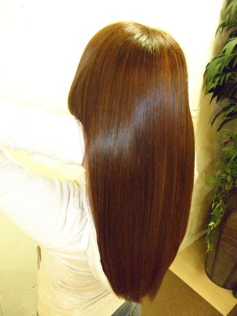 【写真】キラ髪トリートメント後のツヤ髪